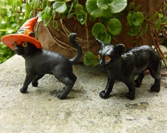 2 Black Cat Miniature Halloween Witch Decor Diorama Terrarium Figure Figurine Plastic Rubber Craft Vintage NOS Fairy Garden Supply (#579)
