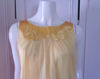 """1960s Pale Tangerine Nylon Full-Length Nightgown by """"Gossard Artemis,"""" Size Small"""
