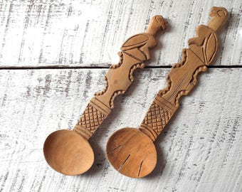 Vintage Carved Wood Totem Salad Tongs Tiki Summer Luau Serving Utensils