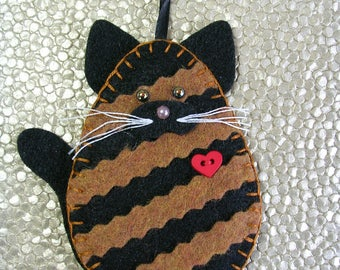Cat Ornament, Tortoiseshell Cat Ornament, Tortie Cat Ornament, Felt Tortoiseshell Cat Ornament, Cat Christmas Ornament