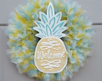 Welcome Pineapple Tulle Wreath