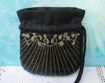 Embroidered evening bag Pompadour pearls, evening wrist bag with Micro pearls gold black