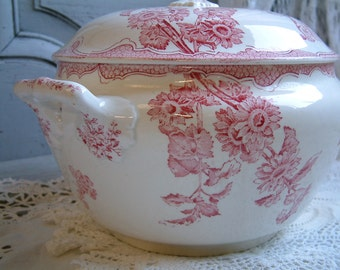 Antique french ironstone red transferware large tureen. French transferware. Jeanne d'Arc living. Gustavian home. french shabby chic
