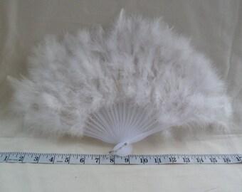 Vintage White feather fan. Bridal fan, wedding accessory. Costume fan, steampunk fan, gothic fan. Wedding fan. Bridal fan. White fan.