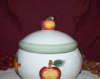 Ceramic White W/Fruit Covered Candy Dish/Trinket Box