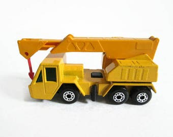 Crane Truck No 49, Matchbox Superfast, Vintage Toy Truck, 1976 Lesney Products, Yellow Truck, Construction Vehicle, Plastic Lift, Red Hook