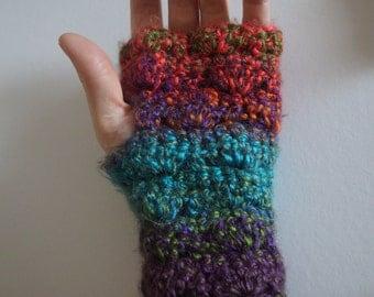 Handmade crochet chunky handwarmers shell pattern fingerless gloves variegated wool wristwarmers