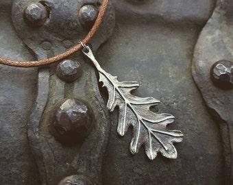 Silver Oak leaf pendant.