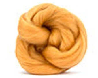 Corriedale Wool Roving /Combed Top/Braid in Peach  - 2 oz
