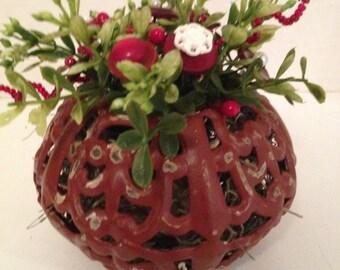 Vintage Valentine Button Bouquet/Cranberry Tin Cutout-Prim-Holiday Country Farmhouse Decor