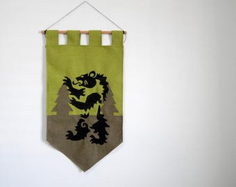 Game of thrones house Mormont banner - wall decoration GoT medieval wall hanging - green bear forest geek home decor gift fan art fabric