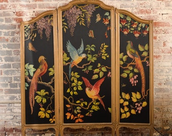 French Painted 3 Paneled Screen & Rococo Giltwood Frame w/Parrots Motif c1900s