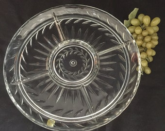 A052 Round divided clear glass relish tray