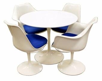 Mid Century Modern Saarinen White Tulip Dinette Table & 4 Tulip Chairs Knoll
