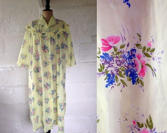 1950s-60s Yellow Darling Dressing Gown with Blossoms/ 50s-60s Robe / Vintage Dressing Gown / SIZE UK M-L