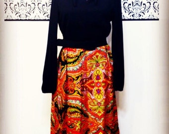 1960's Hipster / Mod Maxi Dress in Black Orange and Yellow, Size Medium / Large, Vintage 1970's Long Sleeve Maxi Dress