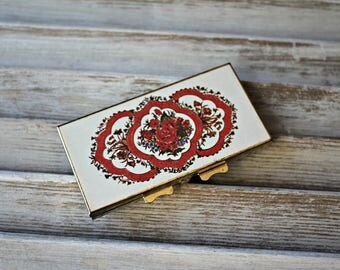 Vintage. Compact. mirror. Floral. Pretty compact!