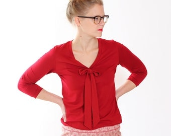 """Lore"" with decorative bow blouse / / dark red"