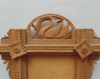 "Vintage Hand-Carved Wood Frame w/ Swan for 5"" x 3"" Picture"