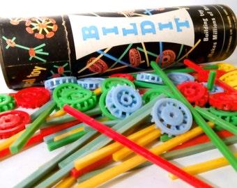 1950s BILDIT Construction, Building Toy / Game by PLYSU HOUSEWARES Ltd. Original Vintage Packaging, Mid 20th Century Atomic Era.