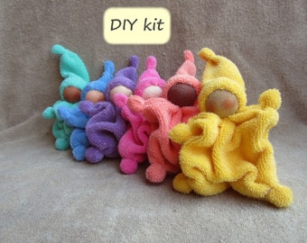 DIY 'Saampies'. Material kit with instructions (PDF download) to make 6 little Waldorf cuddle dolls 'Kleintje' with 6 different skin tones