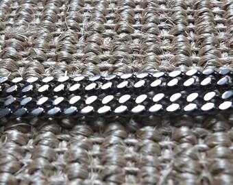 Oxidised curb chain