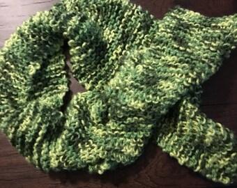 Handknit scarf, green, 10
