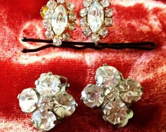 2 sets of vintage 60s retro clip on & screw back earrings