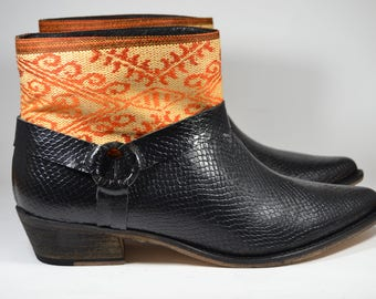 LEATHER ETHNIC BOOTS, Size 41, Black snake Boots, Ethnic Boots, Spanish Boots