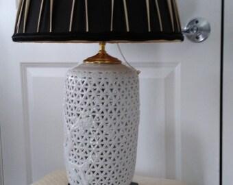 Blanc De Chine lamp