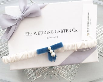 Blue wedding garter, Something Blue, Bridal Garter, Silk wedding garter, Silk bridal garter, Blue bow garter, Luxury garter, Blue garter