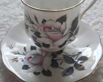 Queen's Messenger royal albert bone China england. Vintage coffee cup and saucer with gold edge. Black white. Roses