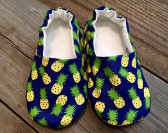 Pineapple baby shoes, pineapple booties, toddler pineapple booties