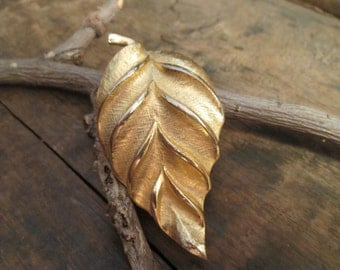 Vintage Tara Brushed Style with Gold Tone Sheen Leaf Brooch
