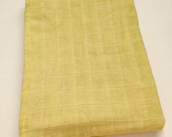 Light yellow muslin blanket, double gauze quilt, muslin blanket,  4 Layers of muslin, cuddle blanket, stroller blanket