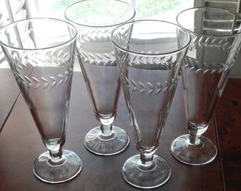Lovely Set of 4 Vintage Etched Pilsner Glasses!