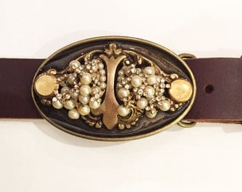 Pretty in Pearls Buckle and Belt Strap