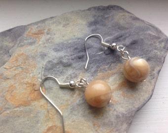 Mother of pearl 10 mm gemstone earrings