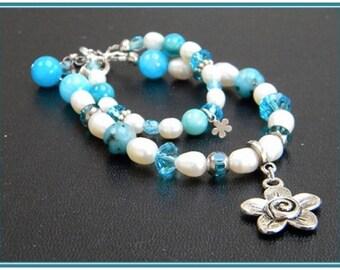 """Bracelet """"Blue Flower""""."""