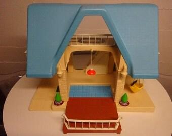 Vintage Little Tikes Dollhouse - FREE SHIPPING