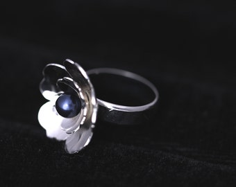 handmade sterling silver ring with Swarovski pearl