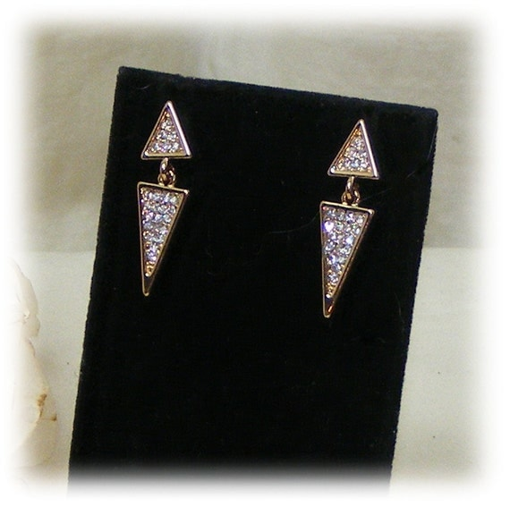 HIGH STYLE EARRINGS . . . After 5 Party Style