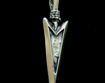 Vintage Estate .925 Sterling Silver Arrow Pendant 6.8g E976