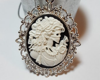 Victoria Lolita Skeleton With Butterfly Cameo - Bright Silver Frame