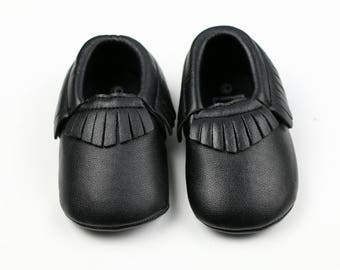 Baby Moccasins, Faux Leather moccasins, toddler moccasins, Crib shoes, soft sole moccasins, black moccasins, Baby moccasins, mocs