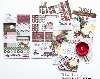 BLACK FRIDAY Special Price - Page Marker Planner Traveler Notebook TN Sticker Kit : Berry Love / Christmas