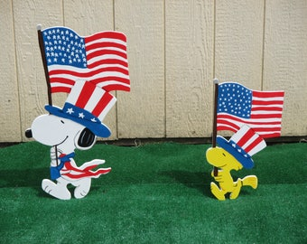 Patriotic Snoopy and Woodstock Yard Signs
