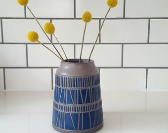 Grey Sgraffito Vase, Navy #1