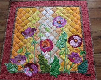 Wall Hanging Quilt Poppies - Applique Flowers