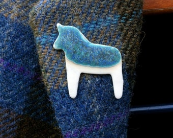Porcelain horse brooch, horse gift, equestrian gift, hggye horse pin, porcelain horse, gift for horse lover, ceramic horse, horse jewellery